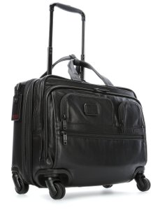 Tumi Alpha 2 Leather 4 Wheel Deluxe Brief with Lap 096627D2, Черный